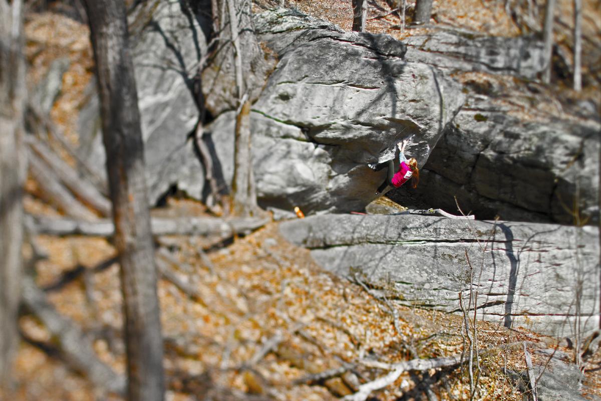 lost cove bouldering 2_credit Dalton Hilfinger